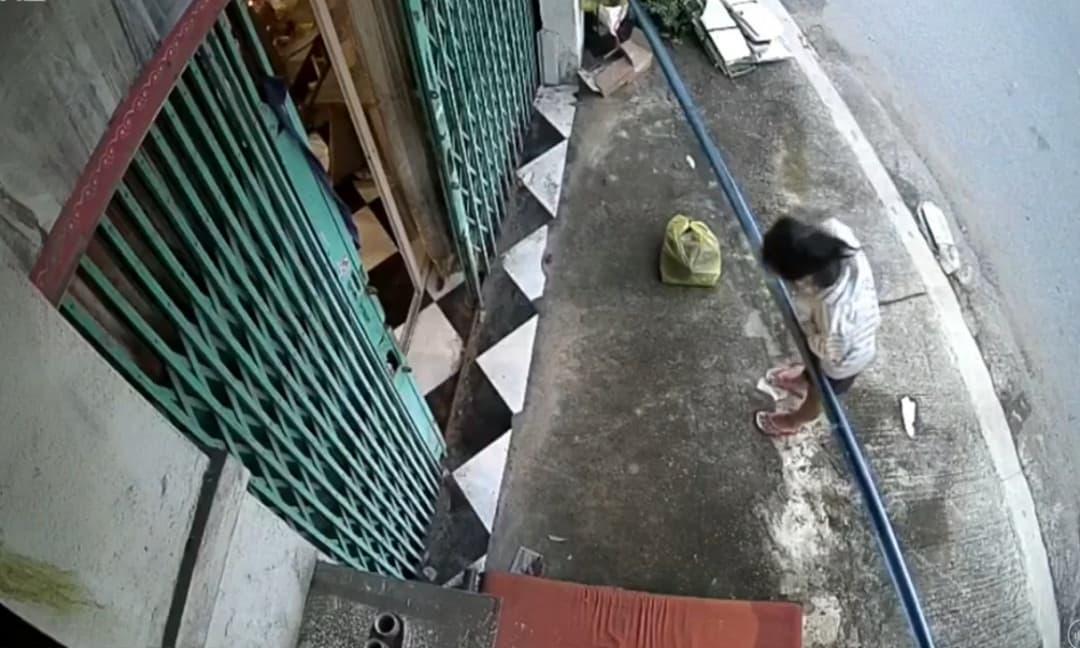 giai-tri/goi-cua-nha-dan-xin-mi-goi-ve-nau-cho-con-hanh-dong-cua-nguoi-phu-nu-khien-ai-cung-nghen-long-96907.html
