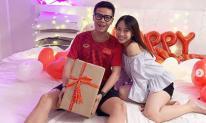 Tiền nhiều chẳng thiếu nhưng con gái Minh Nhựa lại tổ chức sinh nhật cực đơn giản cho chồng