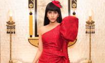 Á hậu Trương Thị May diện váy đỏ rực đón Noel