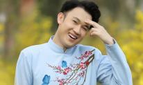 Dương Triệu Vũ khoe vẻ đẹp không tuổi giữa vườn mai - đào tràn ngập sắc Xuân