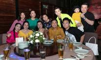Gil Lê đưa bố mẹ đến cả tiệc cảm ơn cuối năm của Hoàng Thuỳ Linh: Mối quan hệ tiến triển thế này ư?