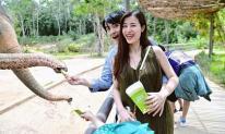Đông Nhi để lộ vòng 2 đã to rõ trong tháng thứ 4 của thai kì khi du lịch cùng đại gia đình