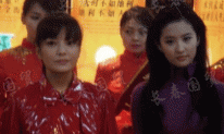 Cùng chung khung hình 12 năm trước: Lưu Diệc Phi trẻ đẹp nhưng Triệu Vy chẳng ngán, thậm chí còn chơi trội hơn cả đàn em