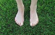 Xem cuộc sống lâu dài không, hãy nhìn xuống đôi chân của bạn! Những người sống lâu sẽ không có hai hiện tượng này