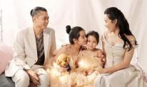 Xuất hiện bên vợ con, nhạc sĩ Hồ Hoài Anh 'chơi lớn' khi thay đổi kiểu tóc cực chất