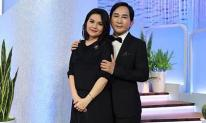 'Ông hoàng cải lương' Kim Tử Long thú nhận ngoại tình với fan trước mặt vợ kém 11 tuổi