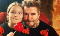 Harper và bố hóa ma cà rồng trong lễ hội hóa trang Halloween