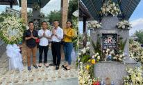 Hậu ly hôn Thanh Thanh Hiền, ca sĩ Chế Phong về thắp hương cho Vân Quang Long