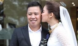 Đám hỏi Giang Hồng Ngọc: Nữ ca sĩ ngọt ngào liên tục hôn chồng hơn 8 tuổi