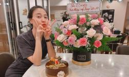 Đàm Thu Trang khoe quà do con riêng chồng tặng cùng dòng chữ 'Subeo chúc mừng mẹ Trang'