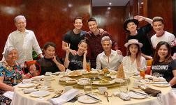Kim Lý vui trọn sinh nhật bên Hà Hồ nhưng hành động của hai bà mẹ mới đáng ngạc nhiên