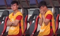 Khoảnh khắc xúc động: Quang Hải ôm mặt bật khóc khi Việt Nam bị Thái Lan dẫn trước