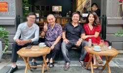Đưa bạn gái đi cafe cùng danh hài Xuân Hinh, NS Chí Trung được khen ngày càng trẻ và phong độ hơn