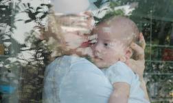 Cuối cùng Hà Hồ cũng công khai diện mạo công chúa nhỏ Lisa, cặp song sinh giống nhau không lệch đi đâu