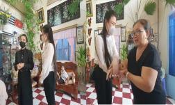Linh Lan gọi mẹ Vân Quang Long là bác, khóc nghẹn nói lời xin lỗi: 'Buông tất cả đi bác'