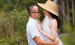Ngọc Thạch cùng chồng thiếu gia trốn 2 con trai đi 'diễn cảnh tình tứ'