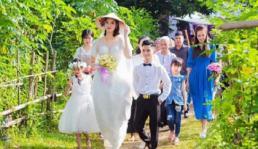 Chú rể Hải Phòng 1,4 m sánh đôi cùng cô dâu 1,94m khiến mạng xã hội xôn xao