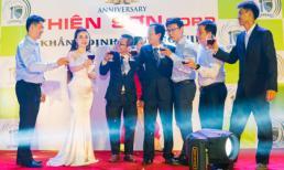 Á hậu doanh nhân Việt Nam chúc mừng lễ kỷ niệm 10 năm thành lập công ty Thiên Sơn