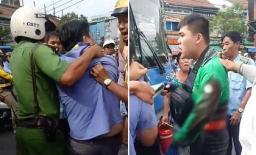 Va chạm giao thông, tài xế GrabBike bị lái xe buýt đâm trọng thương ở Sài Gòn