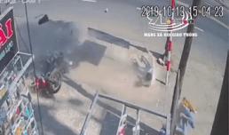 Phóng xe với tốc độ kinh hoàng, nam thanh niên đập trúng cột biển báo tử vong