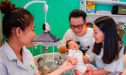 Tròn một tháng con trai thứ ba chào đời, Hoàng Bách viết tâm thư cho đầy xúc động