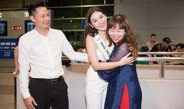 Á hậu Tường San ôm chặt bố, chào tạm biệt fan lên đường sang Nhật
