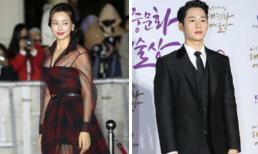 Honey Lee diện đầm xuyên thấu hút ánh nhìn; Jung Hae In mặc suit nhưng mặt lại búng ra sữa