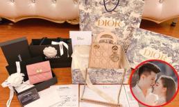 Sau đám cưới, giảng viên hot girl Âu Hà My khoe chồng tặng loạt đồ hàng hiệu