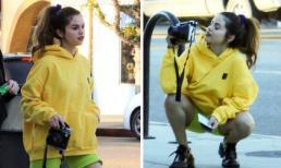 Selena Gomez trẻ như gái 18 khi xuống phố với trang phục nổi bần bật