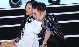 Diva Hồng Nhung mặc gợi cảm đi tập show Quang Hà