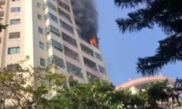 Lửa cháy ngùn ngụt tại căn hộ chung cư trong làng quốc tế Thăng Long