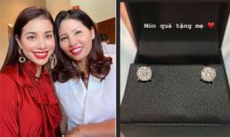 Hoa hậu Phạm Hương khoe tặng mẹ món quà giá trị dù là ngày thường