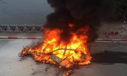 Vụ Mercedes cháy trơ khung khiến 1 người tử vong: Xe vừa mua được mấy ngày, người cầm lái là phụ nữ