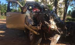 Xe bán tải nát bét sau tai nạn thảm khốc, 6 người thương vong ở Gia Lai