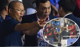 HLV Park Hang Seo bị CĐV Indonesia đe dọa tấn công sau khi nhận thẻ đỏ