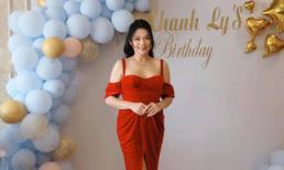 Khánh Ly 'Hoa cỏ may' diện đầm đỏ nổi bật trong tiệc sinh nhật