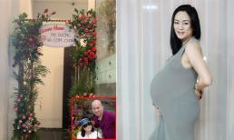 Hành động lãng mạn của bố chồng ca nương Kiều Anh sau khi vợ sinh đôi