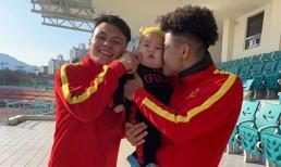Cầu thủ Quang Hải xuất hiện tươi rói bên Hà Đức Chinh giữa nghi án có bạn gái mới