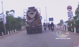Dàn hàng 2 khi lên cầu, nữ sinh đi xe gắn máy suýt bị cuốn vào gầm xe bồn