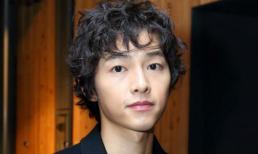 Vứt bỏ hoàn toàn quá khứ với Song Hye Kyo, Song Joong Ki đi 'nước cờ lạ' mở đường cho năm mới