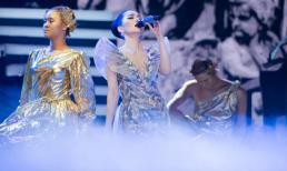 Lệ Quyên liên tục nghẹn ngào trong live show 'khủng' tại Hà Nội
