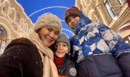 Chồng cũ Hồng Nhung và quý tử vắng mặt trong chuyến đi thăm 2 con riêng của vợ mới ở Nga