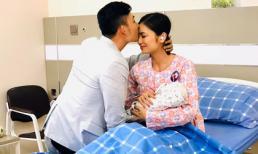 Hoa hồng trên ngực trái: Lộ ảnh San và Khanh hạnh phúc viên mãn đón con chào đời