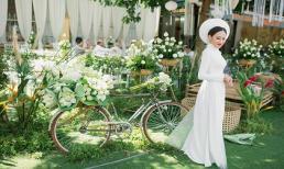 Lễ đính hôn được trang trí 'sương sương' bằng 3.500 hoa sen trắng khiến ai cũng xuýt xoa