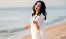 Diva Thanh Lam trẻ trung như gái đôi mươi trong loạt ảnh trước biển