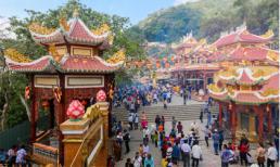Những địa điểm lễ chùa đầu năm ở hai miền Bắc - Nam: 'Gom tài lộc, cầu bình an' cực thiêng