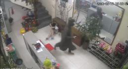 Nữ chủ tiệm nail xinh đẹp ở Hà Nội bị kẻ lạ mặt đánh tới tấp phải nhập viện