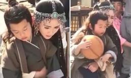 Rò rỉ tạo hình mỹ nữ dị tộc của Dương Mịch, xinh đẹp nữ tính và ôm chặt bé trai