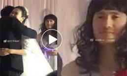 Giữa đám cưới nhưng cô dâu - chú rể bị lu mờ bởi 'anh chàng phù dâu' có khuôn mặt khổ sở