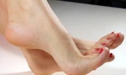 Phụ nữ sở hữu điểm này trên bàn chân là người có số giàu sang, cực kỳ may mắn, cả đời tiền tiêu không hết